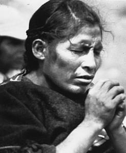 Bolivia_aymara_praying_loc